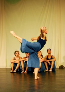 Holly Matyas performs with the Italian modern dance company Diabasis Ballet