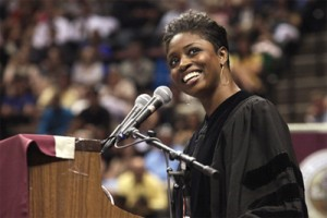 Actress-alumna Glover wows crowd at 2011 summer commencement