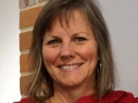 Carolyn Henne Headshot