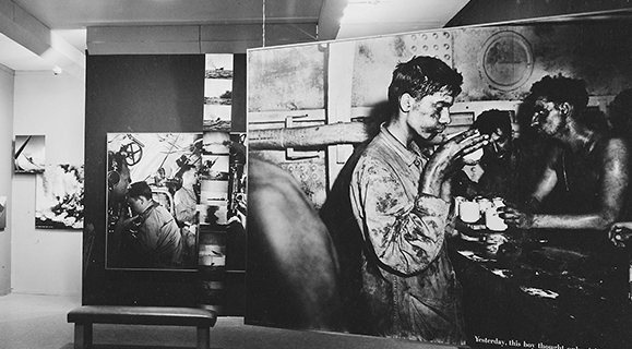 Professor Jolles Awarded CRC Grant for Photo History Research