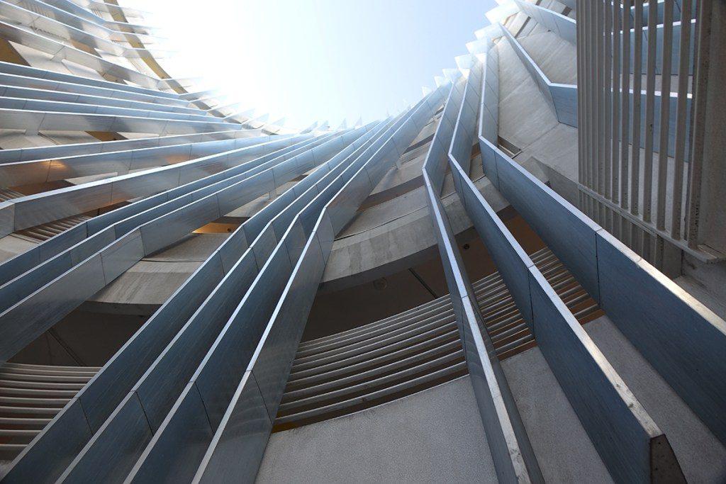 LA-crazy-New-Carver-atrium-sky-2