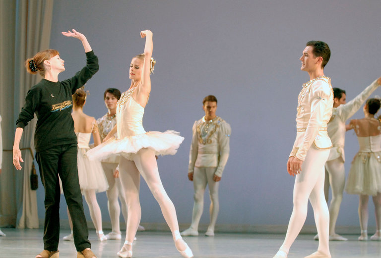 """Suzanne Farrell leading a rehearsal of George Balanchine's """"Diamonds"""" in 2011. Credit Linda Spillers for The New York Times"""